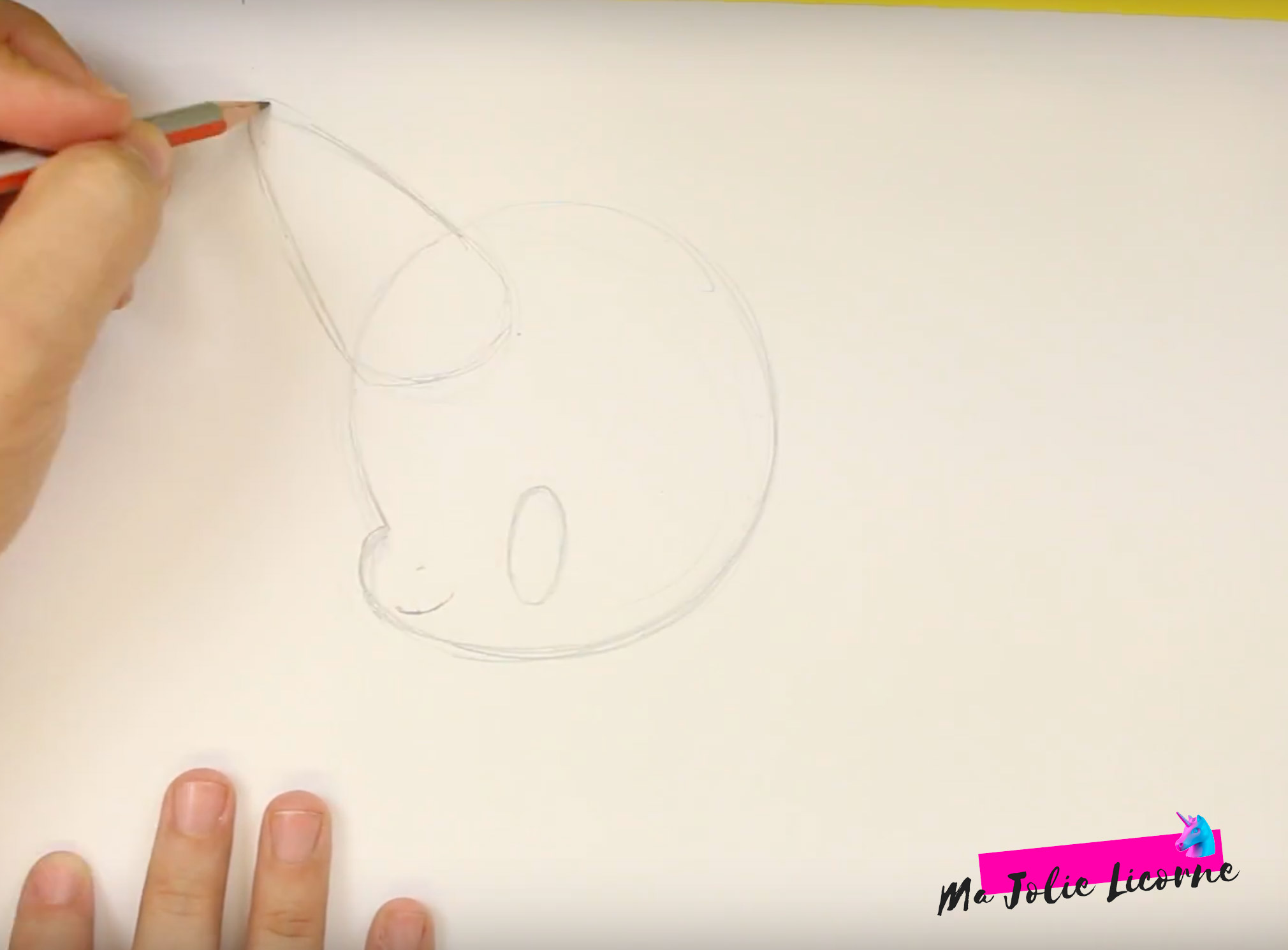 dessin corne de licorne - Dessin kawaii licorne